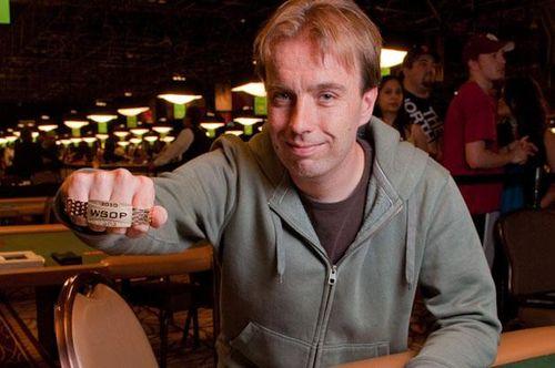 WSOP2010-EV54-Winner-Carousel