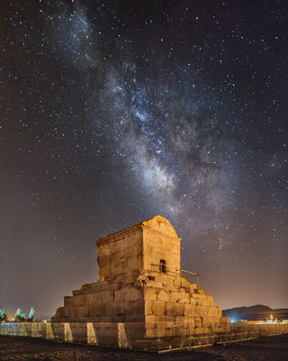 Tomb-of-cyrus-the-great-pasargadae