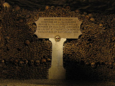 Catacombes_de_paris_3